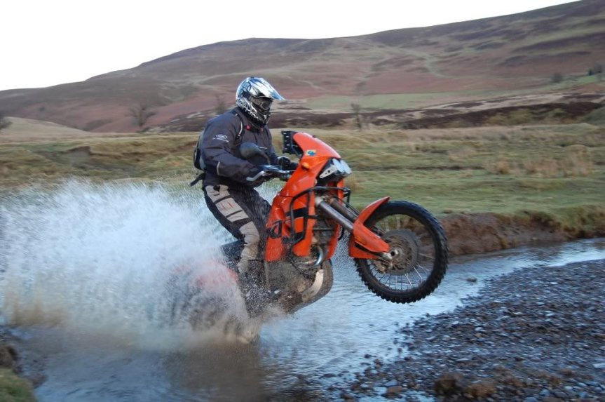 https://adventurebikerider.com/forum/23-bikes/69707-ktm-640-adventure.html