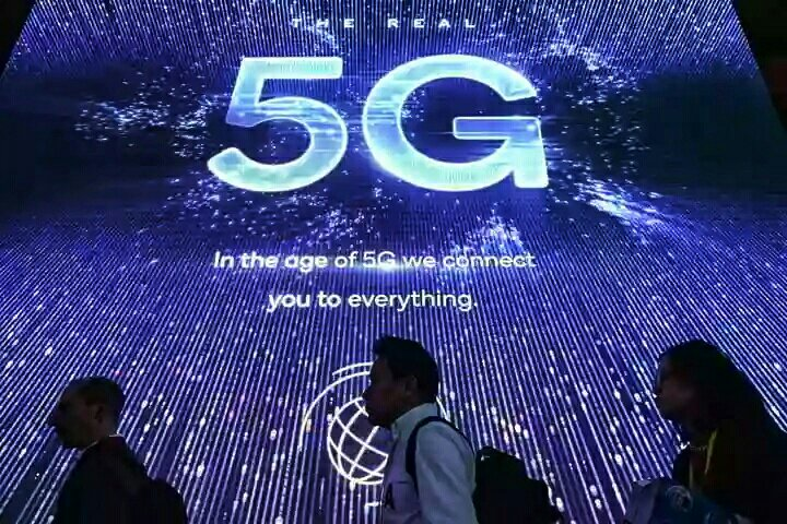 The Race Towards Extinction: Climate Change versus the 5G Microwave Technology RollOut